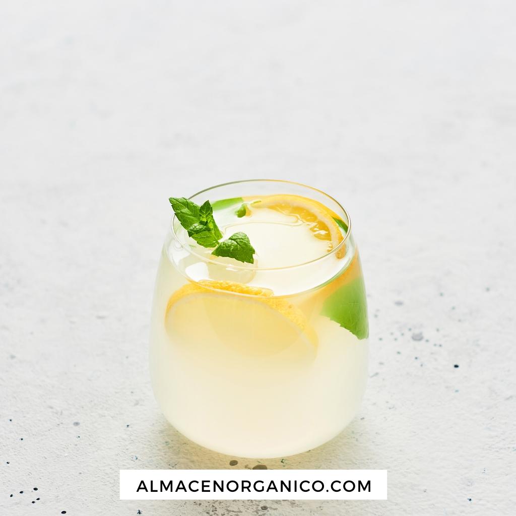 Té verde Sencha ecológico frío con limón y tomillo